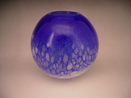JAPANESE 20TH CENTURY ART GLASS VASE BY HISATOSHI IWATA<br><font color=red><b>SOLD</b></font>