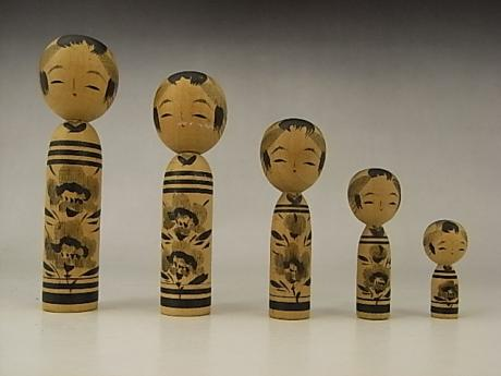 JAPANESE 20TH CENTURY SET OF 5 GRADUATED SIZE KOKESHI DOLLS<br><font color=red><b>SOLD</b></font>