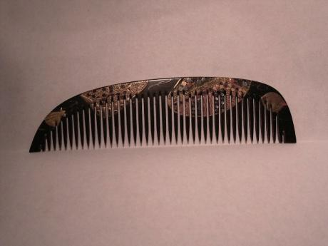 JAPANESE MEIJI PERIOD LACQUER AND INLAID COMB