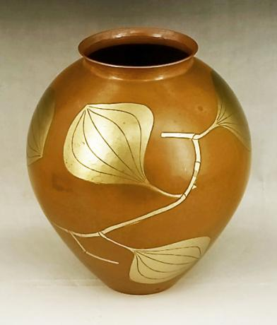 JAPANESE MID 20TH CENTURY COPPER HAND HAMMERED VASE BY GYOKUSENDO<br><font color=red><b>SOLD</b></font>