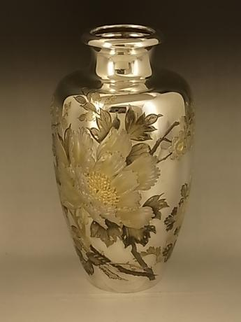 JAPANESE MID 20TH CENTURY PURE SILVER VASE WITH FLORAL DESIGN<br><font color=red><b>SOLD</b></font>