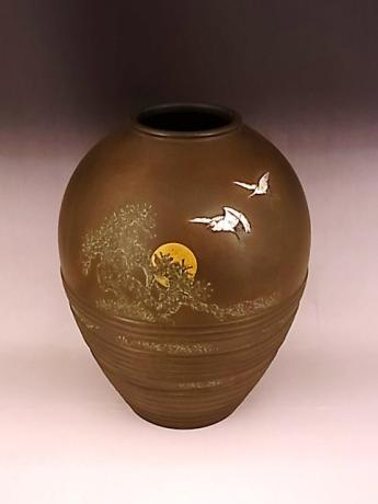 JAPANESE EARLY 20TH CENTURY BRONZE VASE WITH CRANE, SUN AND PINE DESIGN<br><font color=red><b>SOLD</b></font>