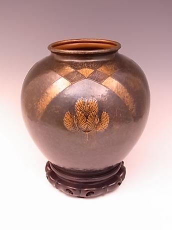 JAPANESE EARLY 20TH CENTURY HAND HAMMERED VASE BY GYOKUSENDO<br><font color=red><b>SOLD</b></font>