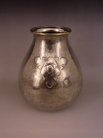 JAPANESE EARLY 20TH CENTURY PURE SILVER VASE WITH PURE GOLD RIM BY GYOKUSENDO<br><font color=red><b>SOLD</b></font>