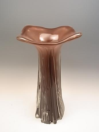 JAPANESE EARLY TO MID 20TH CENTURY GLASS VASE BY IWATA TOSHICHI<br><font color=red><b>SOLD</b></font>