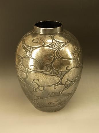 JAPANESE EARLY TO MID 20TH CENTURY PURE SILVER SWIRL DESIGN VASE<br><font color=red><b>SOLD</b></font>
