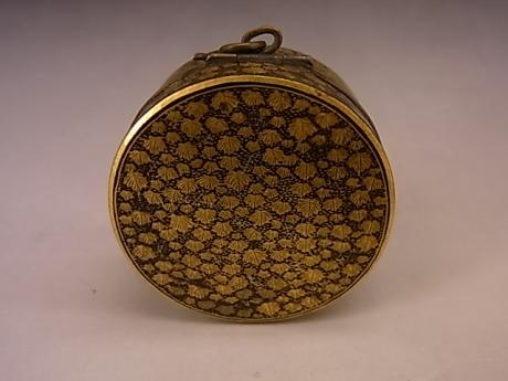 JAPANESE MEIJI PERIOD KOMAI IRON ROUND HINGED BOX<br><font color=red><b>SOLD</b></font>