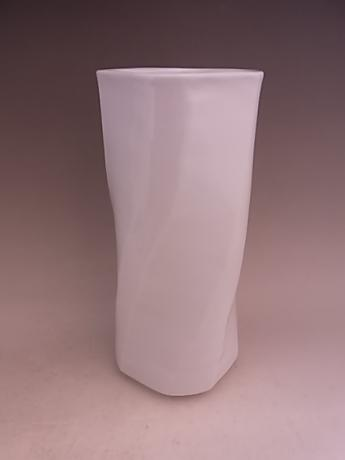 JAPANESE 20TH CENTURY WHITE PORCELAIN VASE BY LNT INOUE MANJI<br><font color=red><b>SOLD</b></font>