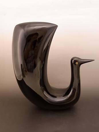 JAPANESE MID 20TH CENTURY BLACK LACQUER BIRD<br><font color=red><b>SOLD</b></font>
