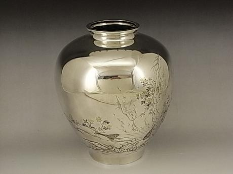 JAPANESE EARLY 20TH CENTURY SILVER VASE SIGNED SHUEI<br><font color=red><b>SOLD</b></font>