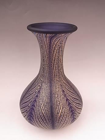 JAPANESE MID 20TH CENTURY ART GLASS VASE BY IWATA HISATOSHI<br><font color=red><b>SOLD</b></font>