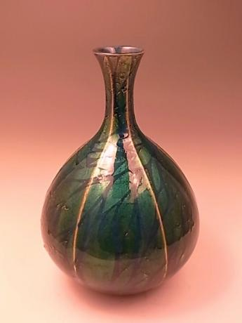 JAPANESE MID 20TH CENTURY PORCELAIN VASE BY ONO HAKUKO<br><font color=red><b>SOLD</b></font>