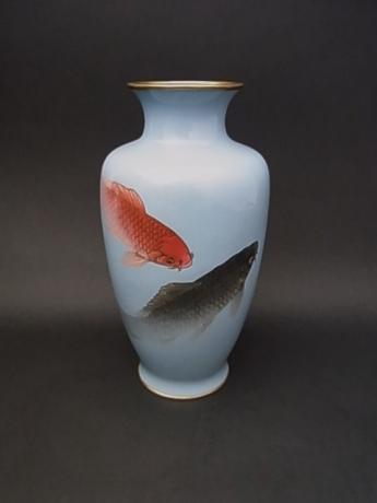 JAPANESE EARLY 20TH CENTURY CLOISONNE KOI  DESIGN VASE