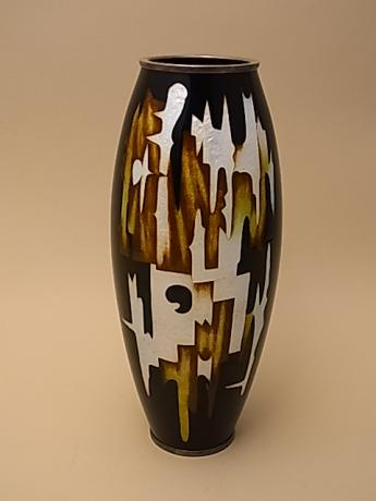 JAPANESE EARLY TO MID 20TH CENTURY CLOISONNE VASE BY OTA HIROAKI