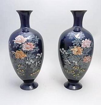 JAPANESE EARLY 20TH CENTURY PAIR OF CLOISONNE VASES