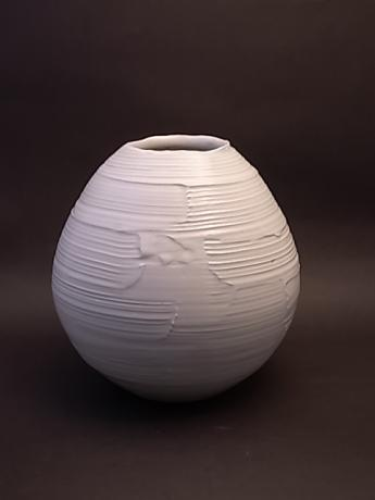 JAPANESE  LATE  20TH-EARLY 21ST CENTURY VASE BY ASAMI RYUZO <br><font color=red><b>SOLD</b></font>