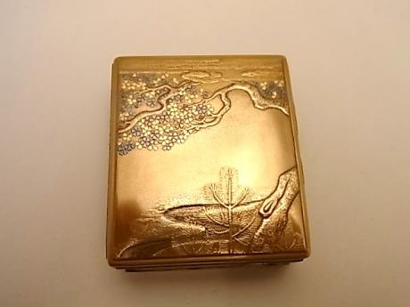 JAPANESE EARLY 20TH CENTURY GOLD LACQUER KOGO<br><font color=red><b>SOLD</b></font>