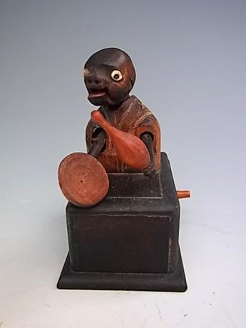 JAPANESE EARLY 2OTH CENTURY KOBE TOY - SAKE POURER AND DRINKER<br><font color=red><b>SOLD</b></font>