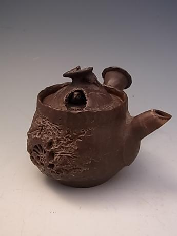 JAPANESE EARLY 20TH C. BANKO WARE TEAPOT<br><font color=red><b>SOLD</b></font>