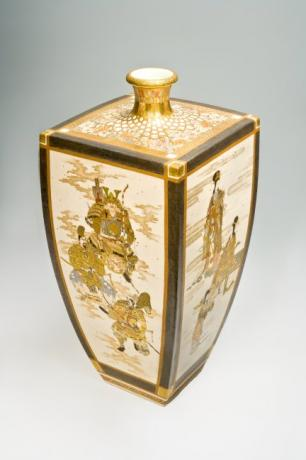 JAPANESE EARLY 20TH CENTURY LARGE SATSUMA VASE BY KINKOZAN<br><font color=red><b>SOLD</b></font>