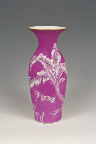 JAPANESE EARLY MEIJI PERIOD VASE BY SEIFU YOHEI III<br><font color=red><b>SOLD</b></font>