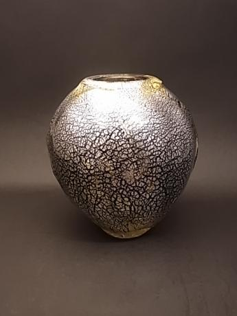 JAPANESE 20TH CENTURY GLASS VASE BY TSUBOTANI AKIRA<br><font color=red><b>SOLD</b></font>