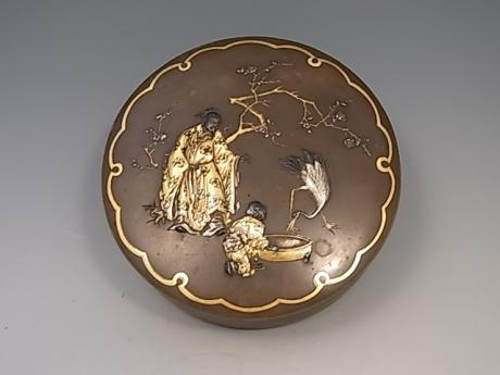 JAPANESE EARLY 20TH CENTURY BRONZE CIRCULAR COVERED BOX WITH MIXED METAL DESIGN BY INOUE<br><font color=red><b>SOLD</b></font>