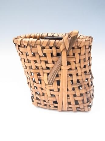 JAPANESE 20TH CENTURY BAMBOO BASKET BY IIZUKA ROKANSAI<br><font color=red><b>SOLD</b></font>