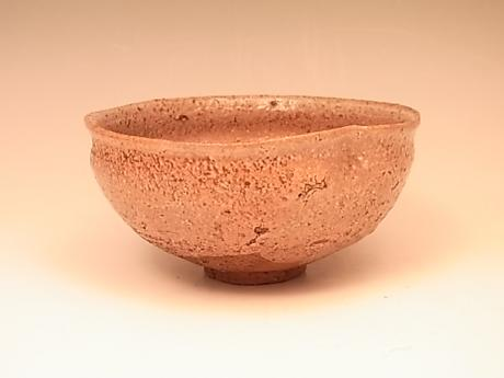 JAPAN EDO PERIOD SHIGARAKI-WARE TEABOWL WITH LACQUER PAINTED DESIGN