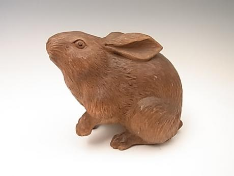 JAPANESE E. 20TH CENTURY CARVED WOODEN RABBIT