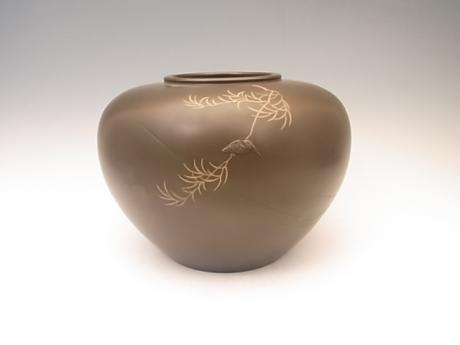 JAPANESE EARLY 20TH CENTURY BRONZE VASE WITH KINGFISHER DESIGN<br><font color=red><b>SOLD</b></font>