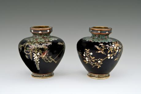 JAPANESE EARLY 20TH CENTURY PAIR OF MINIATURE CLOISONNE VASES BY OTA HYOZO