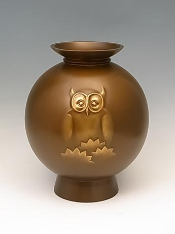 JAPANESE MID 20TH CENTURY BRONZE OWL VASE BY NEYA CHUROKU<br><font color=red><b>SOLD</b></font>