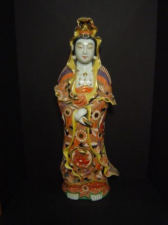 EARLY 20TH CENTURY KUTANI KANNON FIGURE<br><font color=red><b>SOLD</b></font>