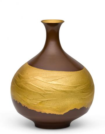 JAPANESE MID 20TH CENTURY BRONZE FLYING FISH DESIGN VASE BY YAMASHITA TSUNEO (1924-1998)<br><font color=red><b>SOLD</b></font>