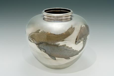 JAPANESE EARLY 20TH CENTURY PURE SILVER VASE WITH KOI DESIGN BY SHOZAN<br><font color=red><b>SOLD</b></font>