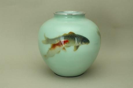 JAPANESE EARLY 20TH CENTURY KOI DESIGN CLOISONNE VASE BY ANDO<br><font color=red><b>SOLD</b></font>