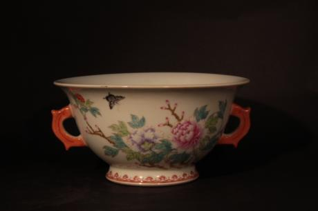 CHINESE 20TH CENTURY PORCELAIN BOWL WITH FLORAL AND INSECT DESIGN<br><font color=red><b>SOLD</b></font>