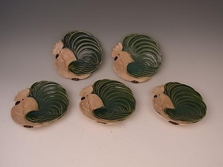 JAPANESE EARLY 20TH CENTURY SET OF ORIBE-WARE DISHES IN ROOSTER DESIGN<br><font color=red><b>SOLD</b></font>
