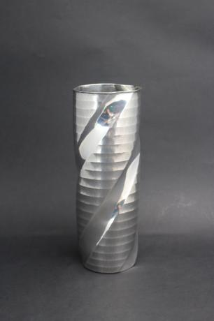 JAPANESE MID 20TH C PURE SILVER VASE WITH HORIZONTAL AND SWIRL DESIGN<br><font color=red><b>SOLD</b></font>