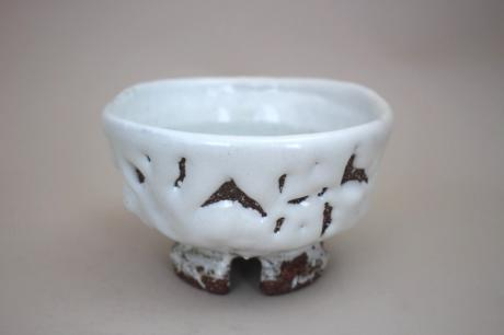 JAPANESE ONI-HAGI, OR DEMON HAGI WARE TEA BOWL BY YAMANE SEIGEN<br><font color=red><b>SOLD</b></font>