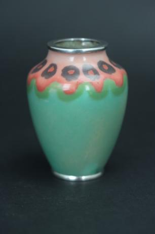JAPANESE EARLY 20TH CENTURY MINIATURE CLOISONNE VASE BY HATTORI TADASABURO<br><font color=red><b>SOLD</b></font>