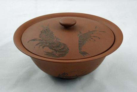 JAPANESE EARLY 20TH CENTURY TERRA COTTA BOWL WITH LID BY KYOHOU