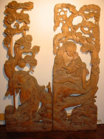 JAPANESE 19TH CENTURY CARVED WOODEN RANMA