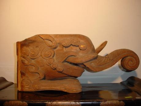 JAPANESE 19TH CENTURY CARVED ELEPHANT HEAD<br><font color=red><b>SOLD</b></font>