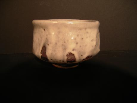 JAPANESE EARLY 20TH CENTURY GRAY SHINO TEA BOWL<br><font color=red><b>SOLD</b></font>