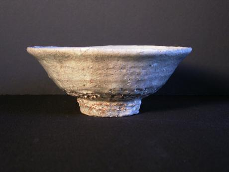 JAPANESE MID 20TH CENTURY HAGI WARE TEA BOWL<br><font color=red><b>SOLD</b></font>