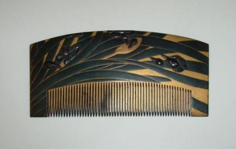JAPANESE EDO PERIOD LACQUER DAFFODIL COMB<br><font color=red><b>SOLD</b></font>