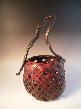 JAPANESE EARLY-MID 20TH CENTURY BAMBOO BASKET<br><font color=red><b>SOLD</b></font>