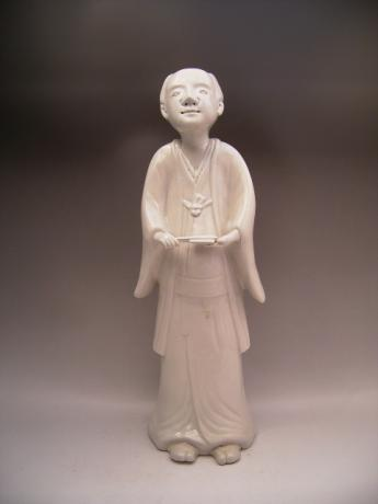JAPANESE LATE 18TH CENTURY WHITE IMARI FIGURE